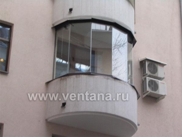 Остекление балкона сложной конфигурации.